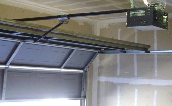 how-to-quiet-down-a-loud-garage-door