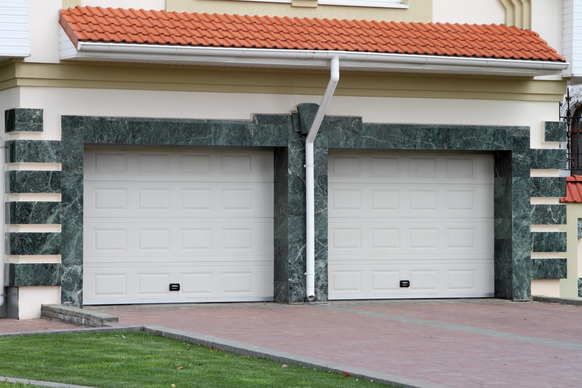 The Safety Importance of Hiring an Established Garage Door Company