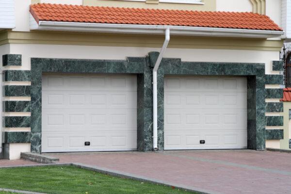 4 Reasons to Replace Your Garage Door