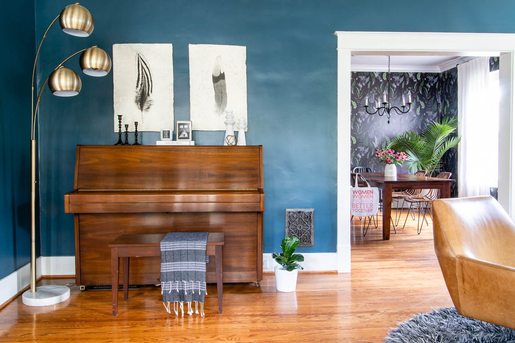 8 Tips & Tricks when choosing wall art for your living room
